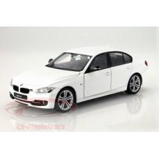 модель машины 1:24 BMW 335